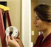 replace smoke detector batteries