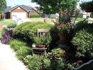 July 2008 Yard of the Month Winner 0021.jpg